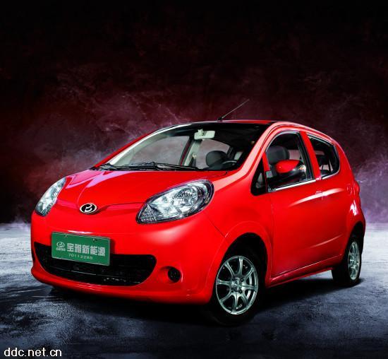 宝雅红色雅贝B4实用版电动汽车