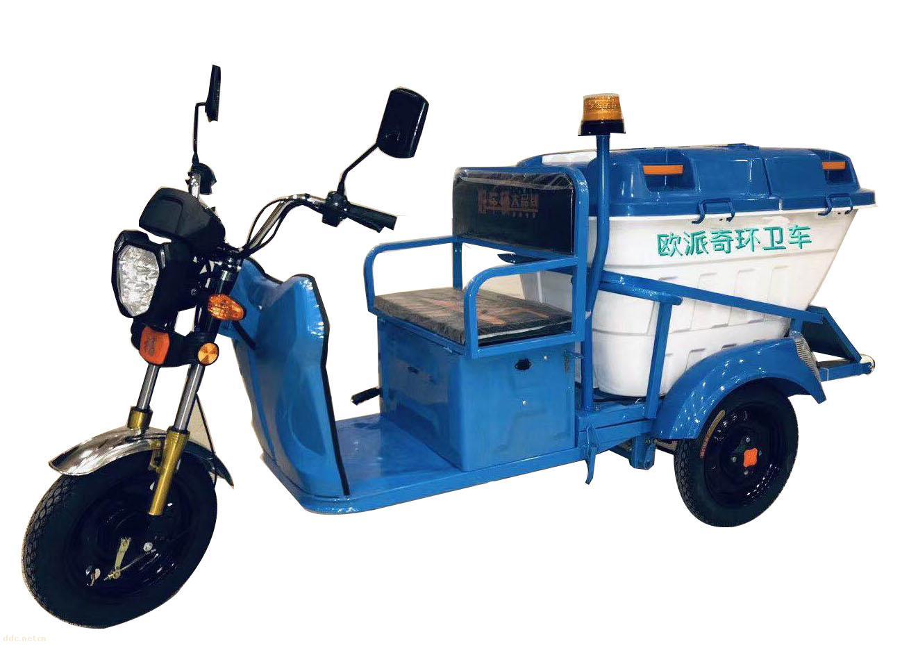 普通清洁工使用的电动三轮环卫车