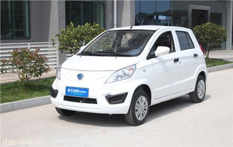 大丰和电动小轿车白色