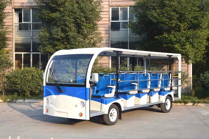 驾驶旅游观光车
