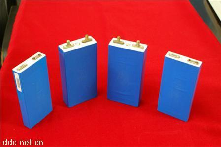 电动车用磷酸铁锂动力电池