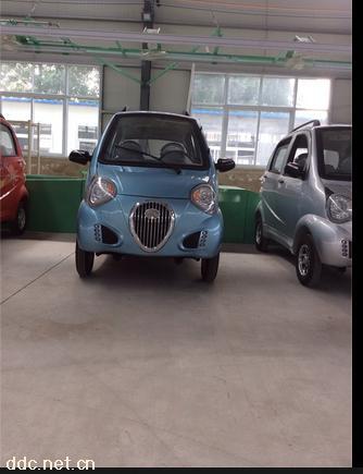 熊猫款代步电动汽车_骏驰车业