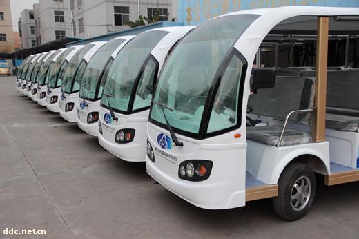 雄韬11座电动旅游观光车