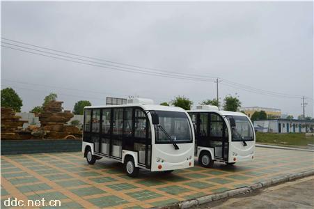 雄韬14座可安装空调封闭电动游览观光车