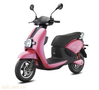 新大洲本田电动摩托车D8E