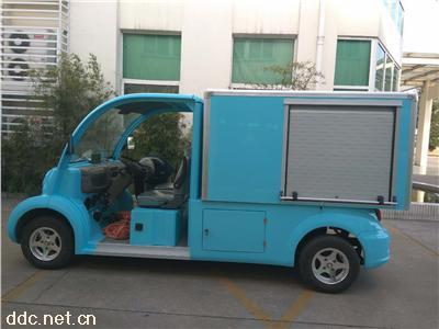 四轮电动消防车带水箱