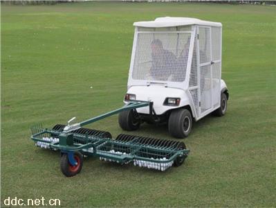 朗动封闭型电动高尔夫球车