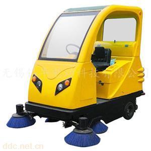 小型電動掃地車