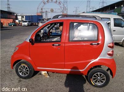 电动四轮小轿车