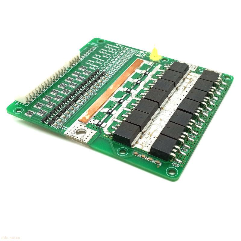 六、操作规范: 1:电芯连接顺序为:先接B-,再连接电芯电压检测端子,拆下时顺序相反。 2:电芯电压检测端子使用2.0间距的排线连接,CN1的第1脚为B-,第二脚为B1,第三脚为B2,依次类推,第11脚为B+。 3:电芯电压检测线使用标准的排线,B-,P-,C-需要根据持续放电电流和充电电流的大小选择合适线径的导线。 4:电池和保护板联接好后,测量B+和P-之间的电压,如果测到的电压等于电池组的总电压,说明保护板已正常工作。 注意:把保护板连接电芯,或从电池组上取下时,必须遵循以上顺序,如不按要求顺序作业
