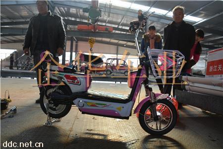 小巧轻便式电动自行车