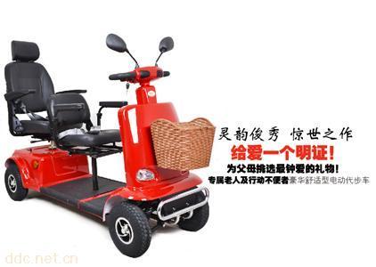 信步C2高档智能双座老年电动代步车安全舒适原装出口配置