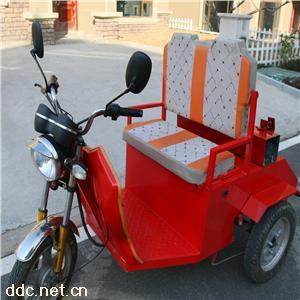 挂桶式保洁电动三轮车