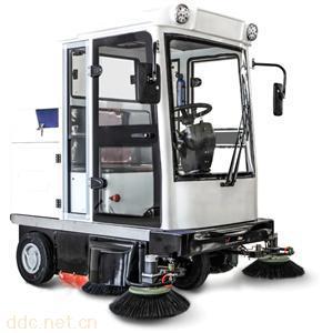 米森新型封闭式电动扫地车