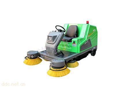DQS18诺乐电动驾驶式扫地车街道清洁