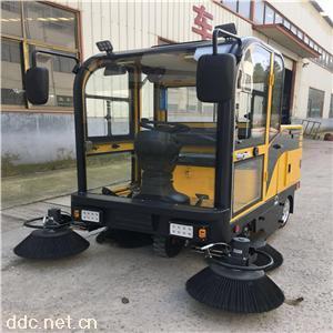 驾驶室电动扫路车