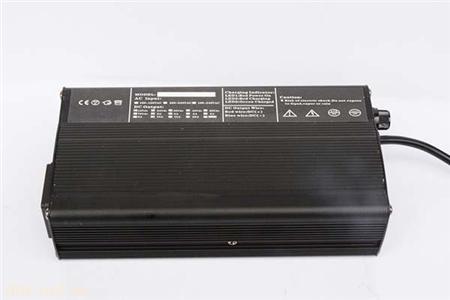 铅酸蓄电池充电器48V2.5A 电动车充电器