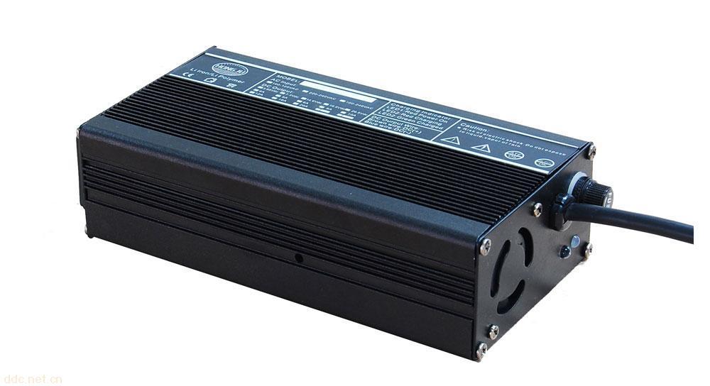 锰酸锂电池充电器48V5A电动车充电器