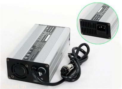 锂电池组免维护安全充电器