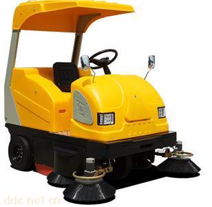 绿能达电动驾驶式扫地车