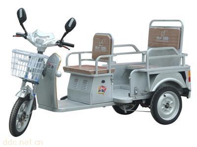 彭盛電動三輪代步車