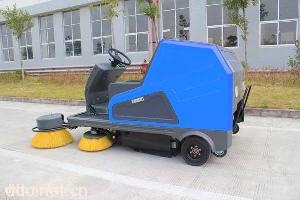 玛西尔提供电动扫地车
