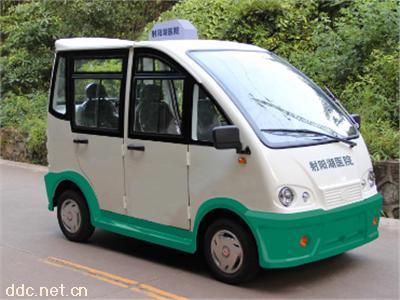绿白色4座带门电动巡逻车