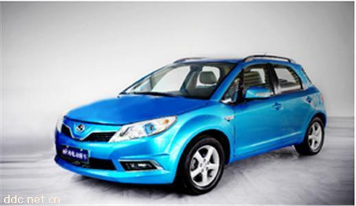 速达纯电动轿车蓝色两厢