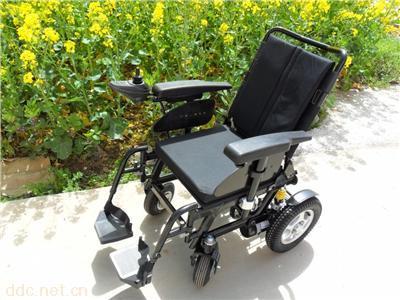威之群1018亿志老年人电动轮椅