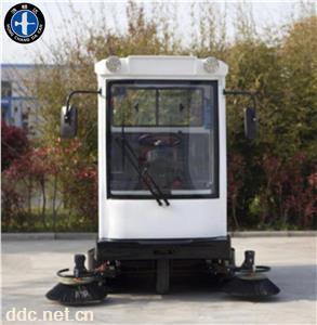 鸿畅达驾驶式电动扫地车