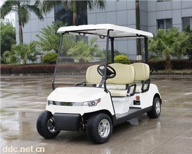 4座高尔夫球车