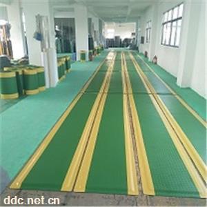 全绿 绿色黄边抗防疲劳地脚垫 可定制